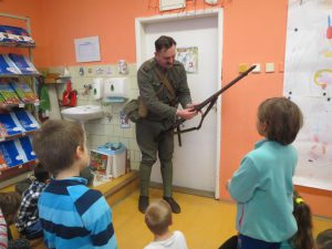 Návštěva M. Čiháka (člen královéhradeckého vojenského spolku) – povídání o životě vojáků