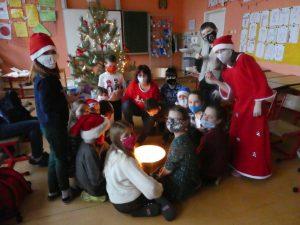 Vánoční besídka vnaší třídě